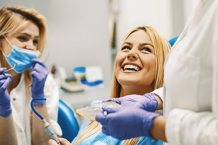 Choosing A Dentist in Naperville