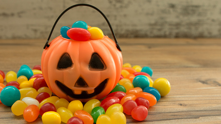 Protecting Your Childs Teeth from Halloween Candy